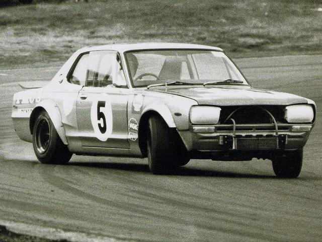 nissan_skyline_2000_gt-r_racing_2
