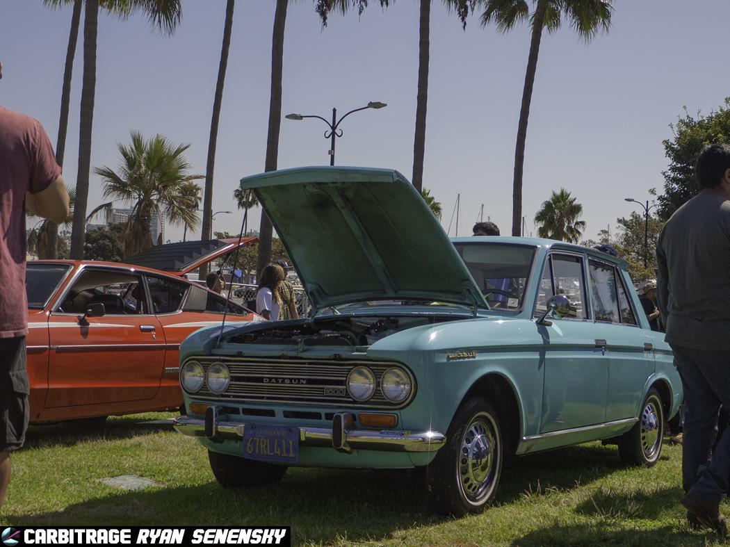 Teal Datsun 411.jpg